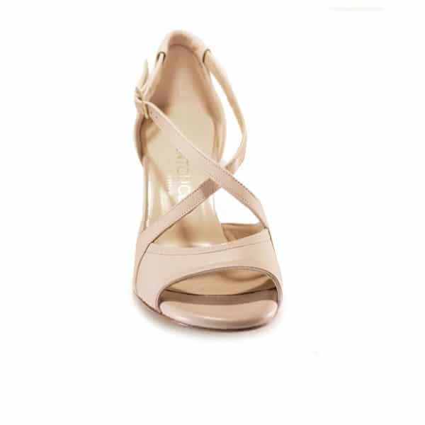 nude tango shoe, made in Italy, jpg 58 KB