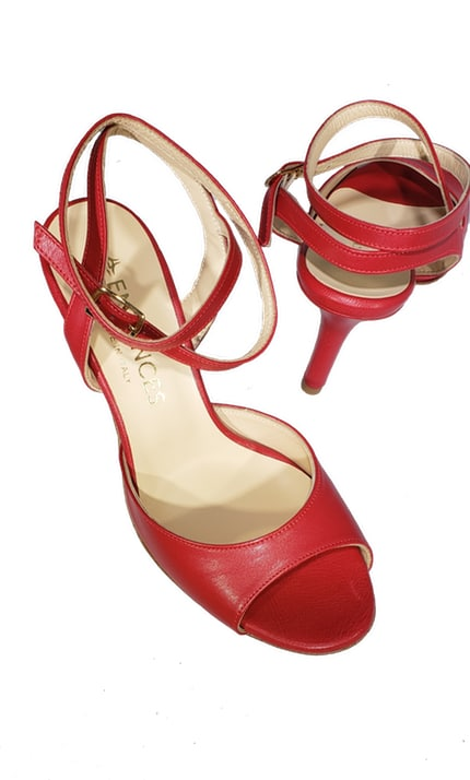 red tango shoes made in Italy, jpg 29 KB