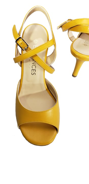 yellow tango shoe, leather, entonces, tangotana, jpg 134 KB